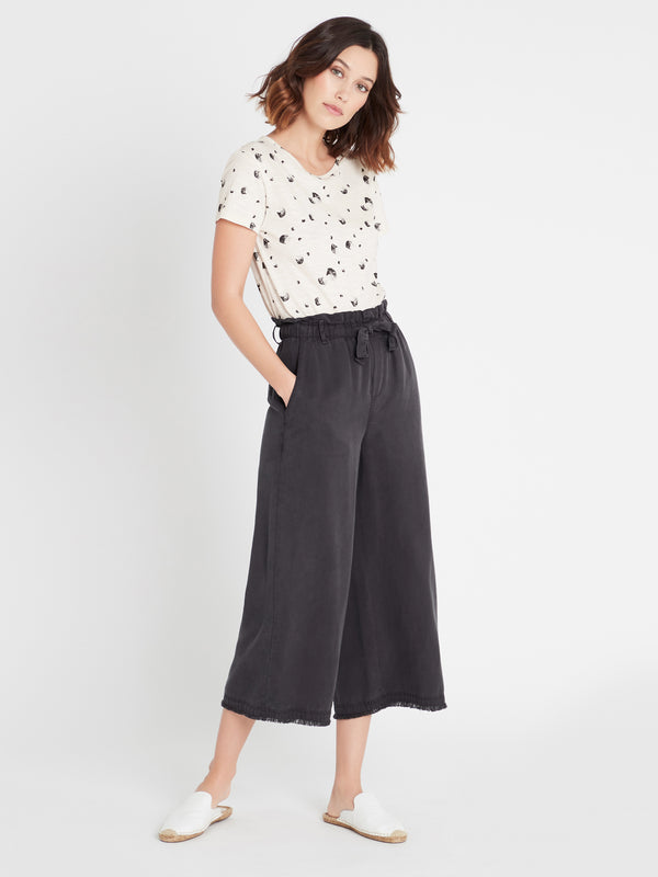 Skye Wide Crop Pants in Smoke - Mavi Jeans