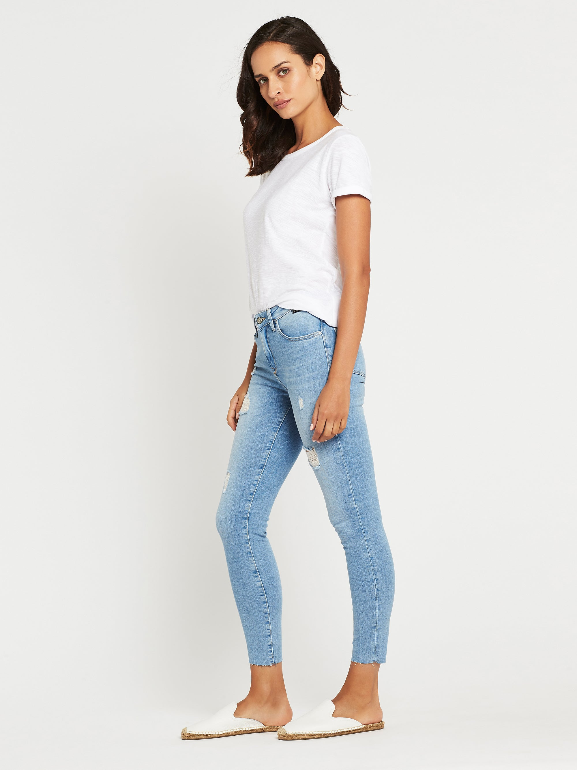 Tess Super Skinny Ankle Curve Jeans in Light Ripped Vintage