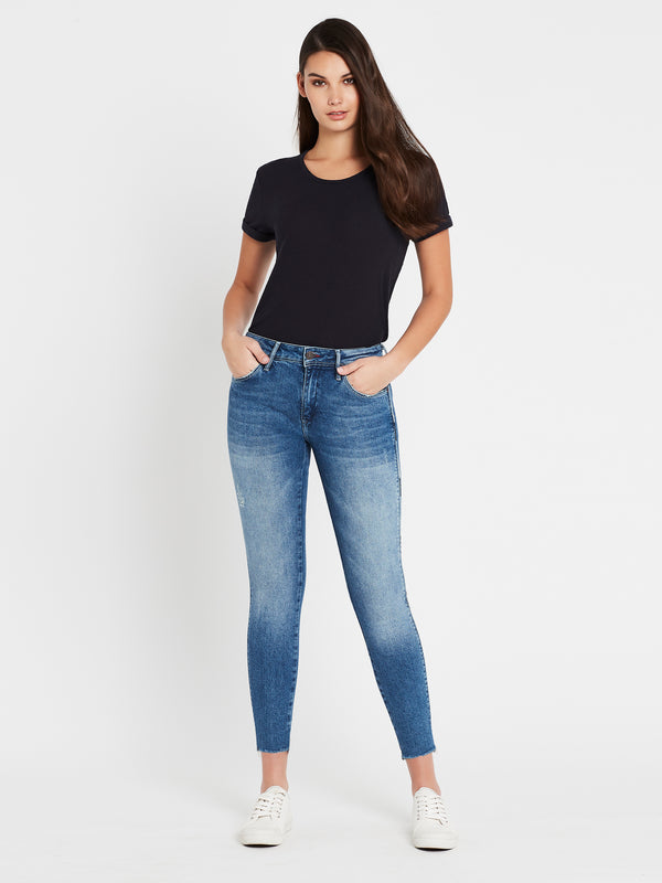 Alissa Ankle Skinny in Mid Cheeky Denim - Mavi Jeans