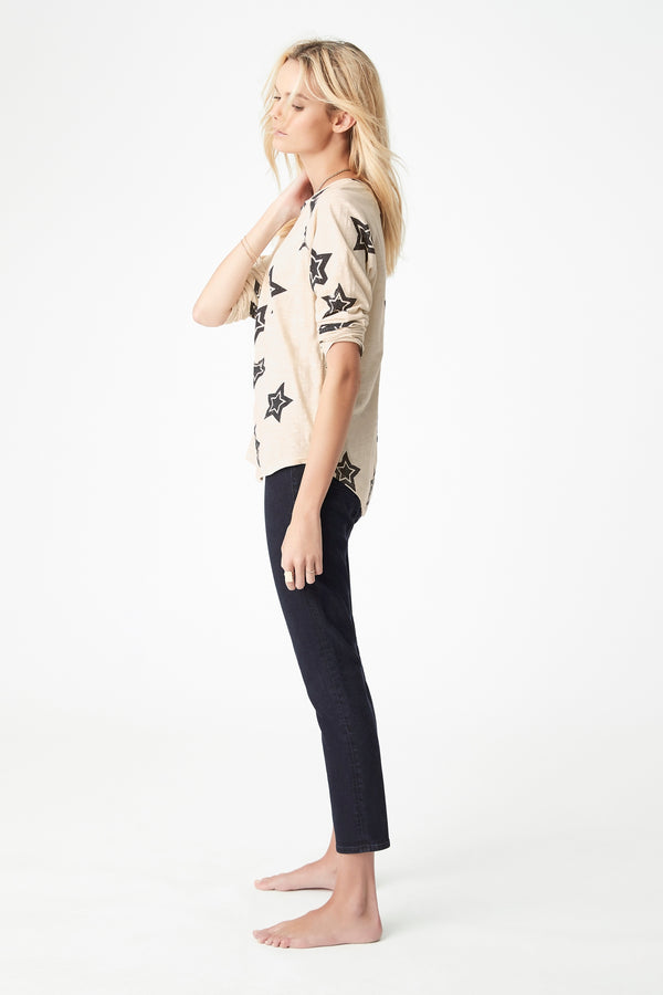 Yvette Curved Hem T-Shirt Stone in Large Star - Mavi Jeans