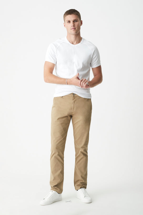 Edward Slim Straight Chino in British Khaki Twill - Mavi Jeans