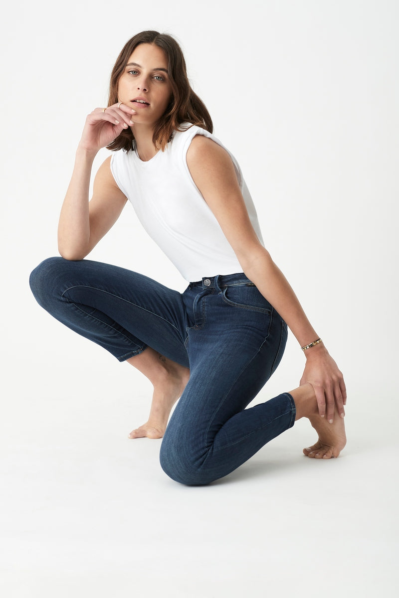 Tess Skinny Jeans in Indigo Gold Shape
