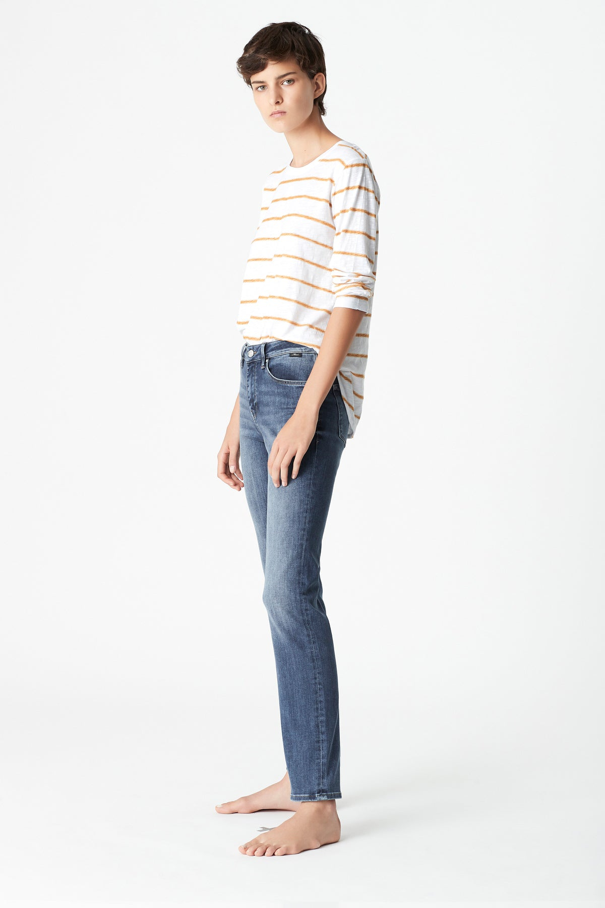 Kendra Straight Jeans in Mid Blue Tribeca