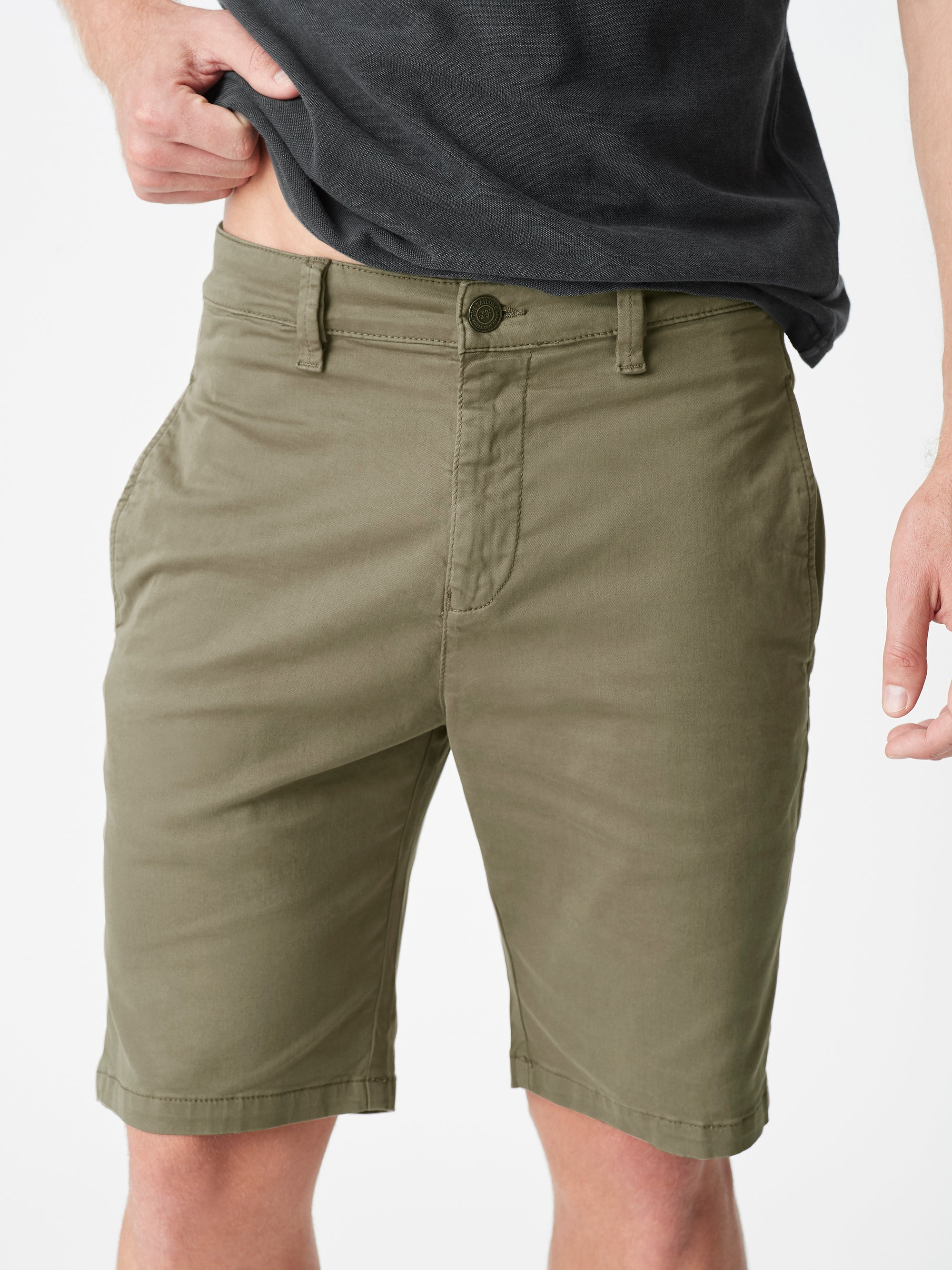 Simon Shorts in Sage Twill