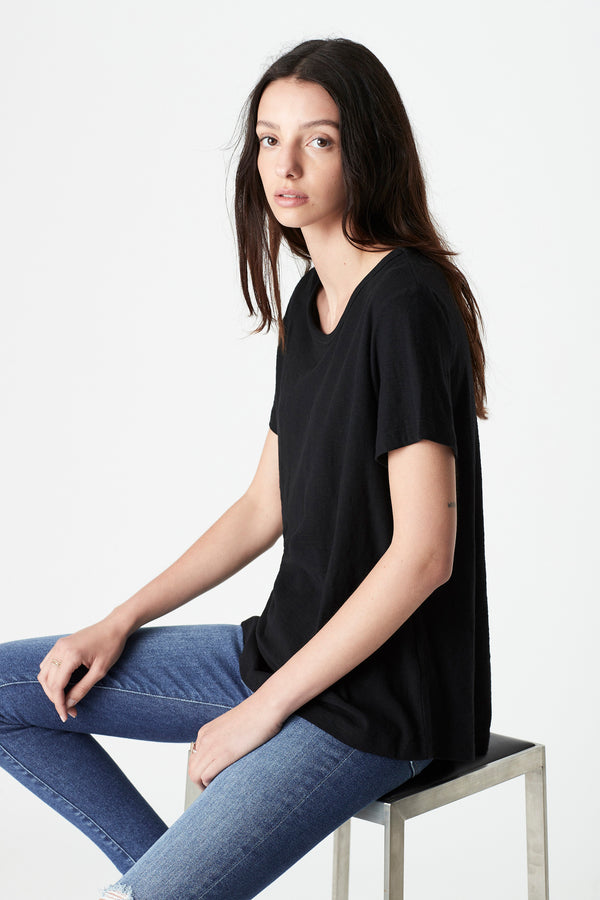 Evie Rolled Sleeve T-Shirt in Black - Mavi Jeans