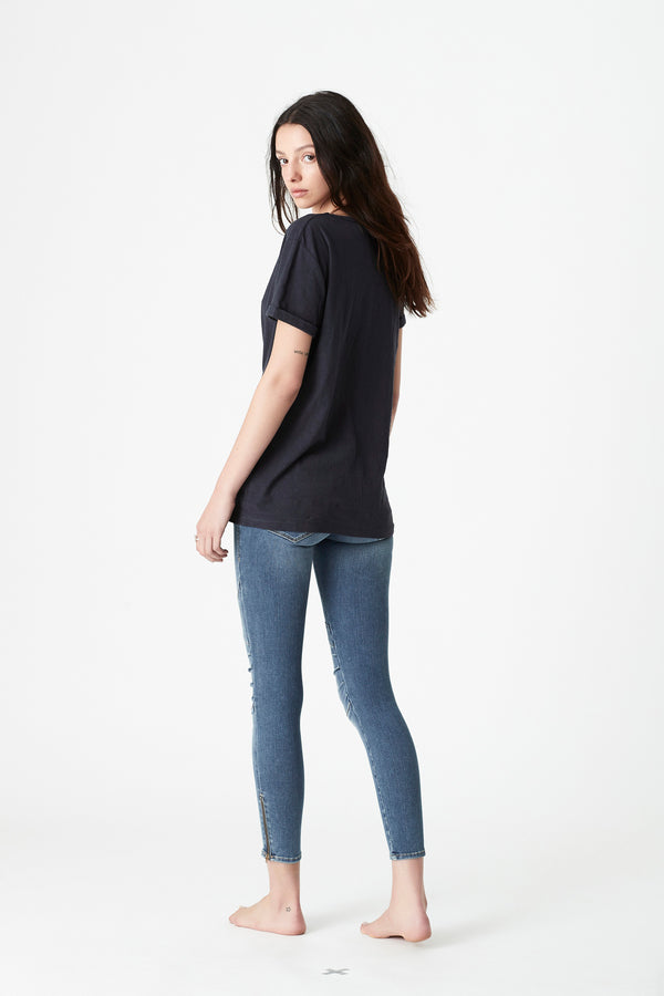 Evie Rolled Sleeve T-Shirt in Midnight - Mavi Jeans