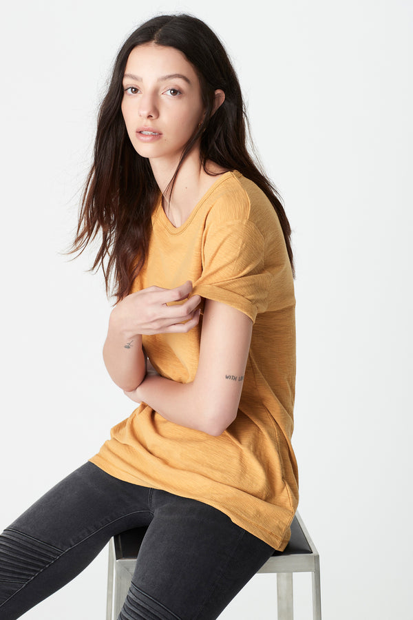 Evie Rolled Sleeve T-Shirt in Marigold - Mavi Jeans