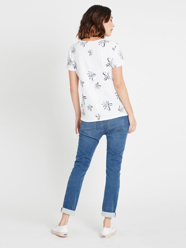 Romy Printed T-Shirt in White Flower - Mavi Jeans