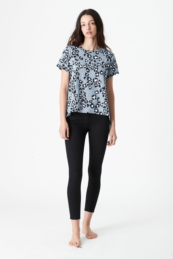 Maddie High Low Printed T-Shirt in Slate leopard - Mavi Jeans