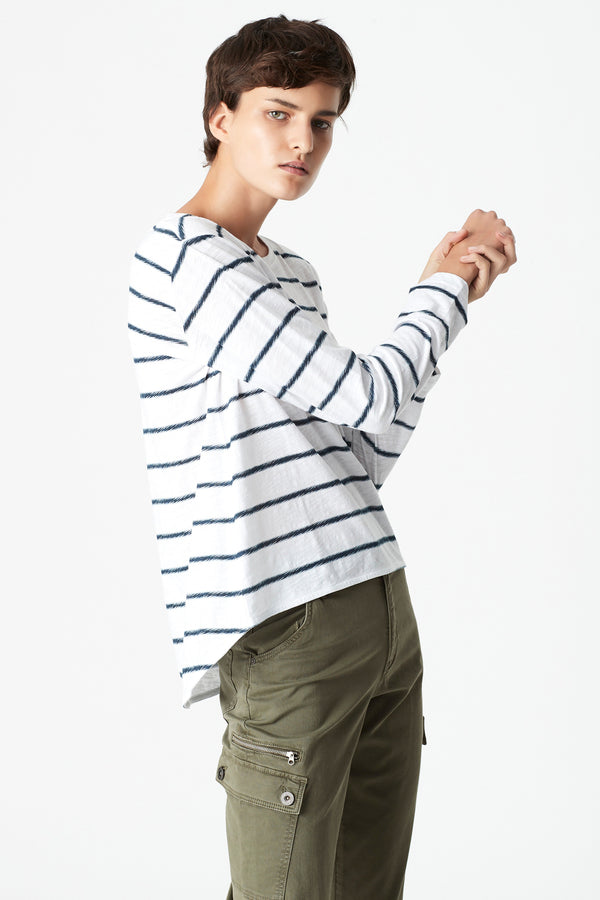 Gayle High-Low Hem T-Shirt in Midnight Stripe - Mavi Jeans