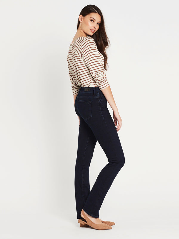 Kendra Straight in Deep Gold Lux Move - Mavi Jeans