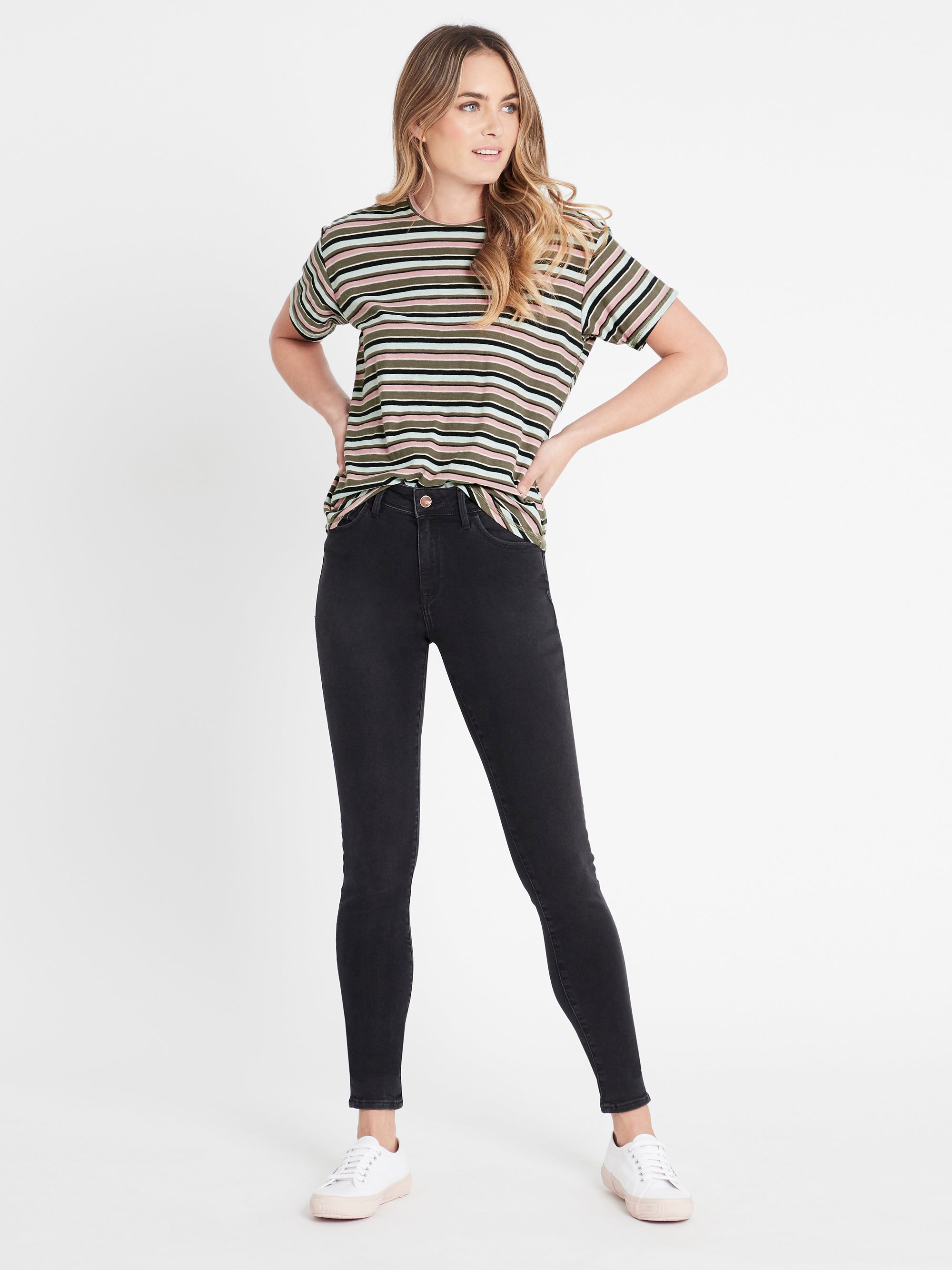 Lucy Super Skinny Ankle Jeans in Smoke Gold Lux Move