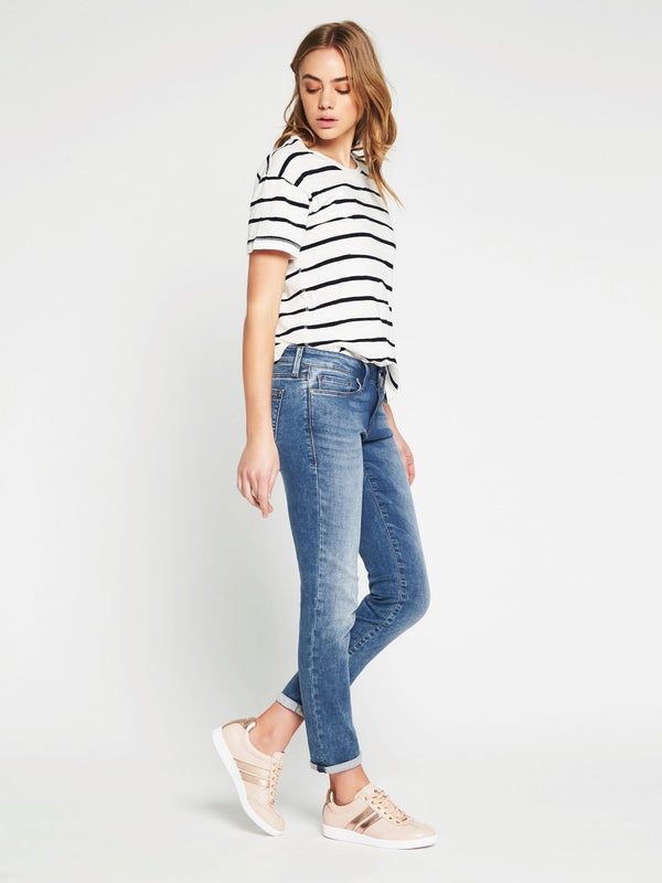 Emma Slim Boyfriend in Light Indigo Sporty - Mavi Jeans