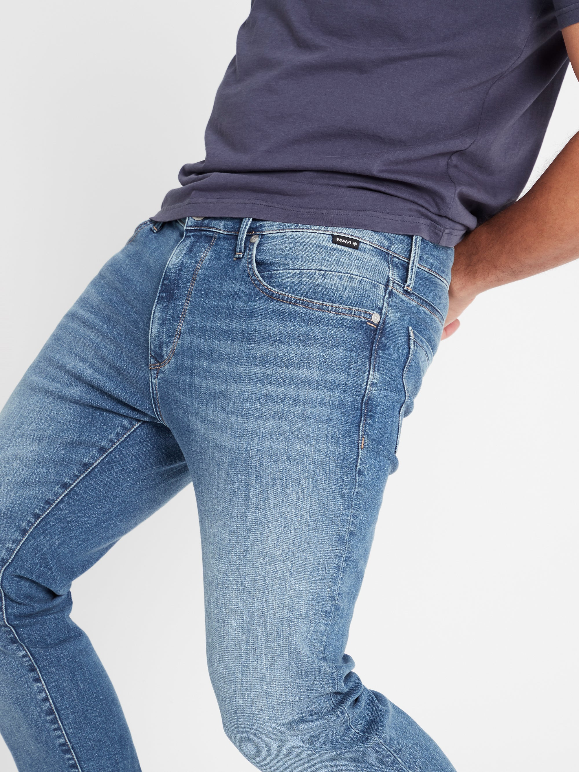 Marcus Slim Straight Jeans in Light Indigo Mavi