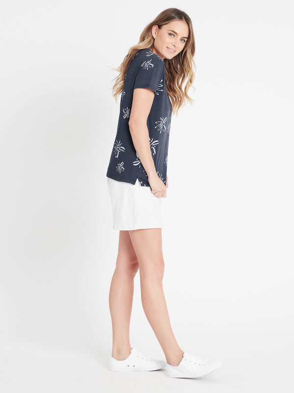 Romy Printed T-Shirt in Vintage Blue Flower - Mavi Jeans