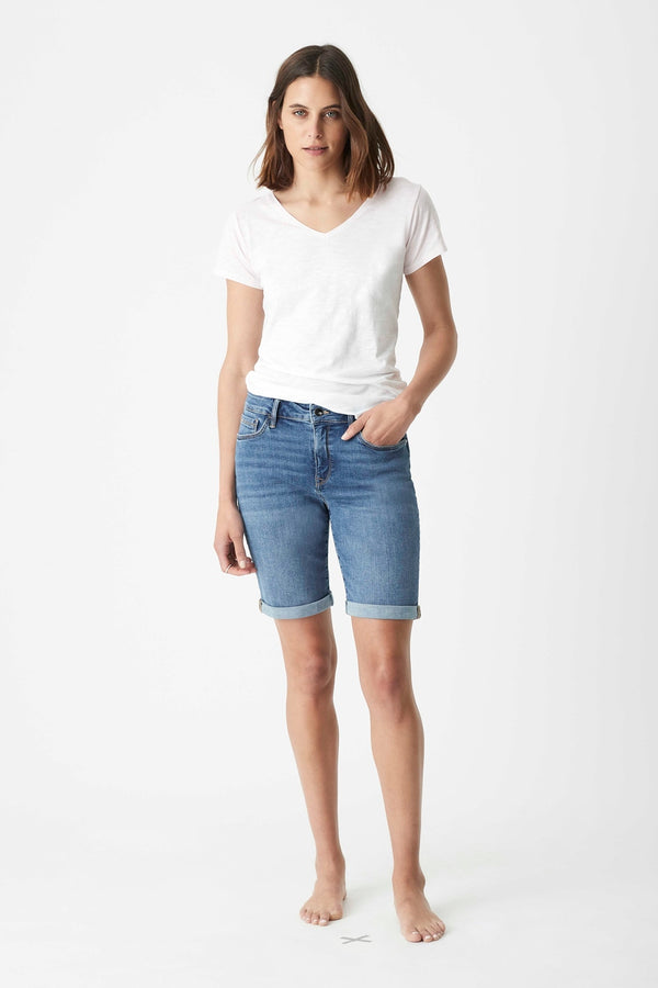 Alexis Bermuda Short in Light Used Gold - Mavi Jeans