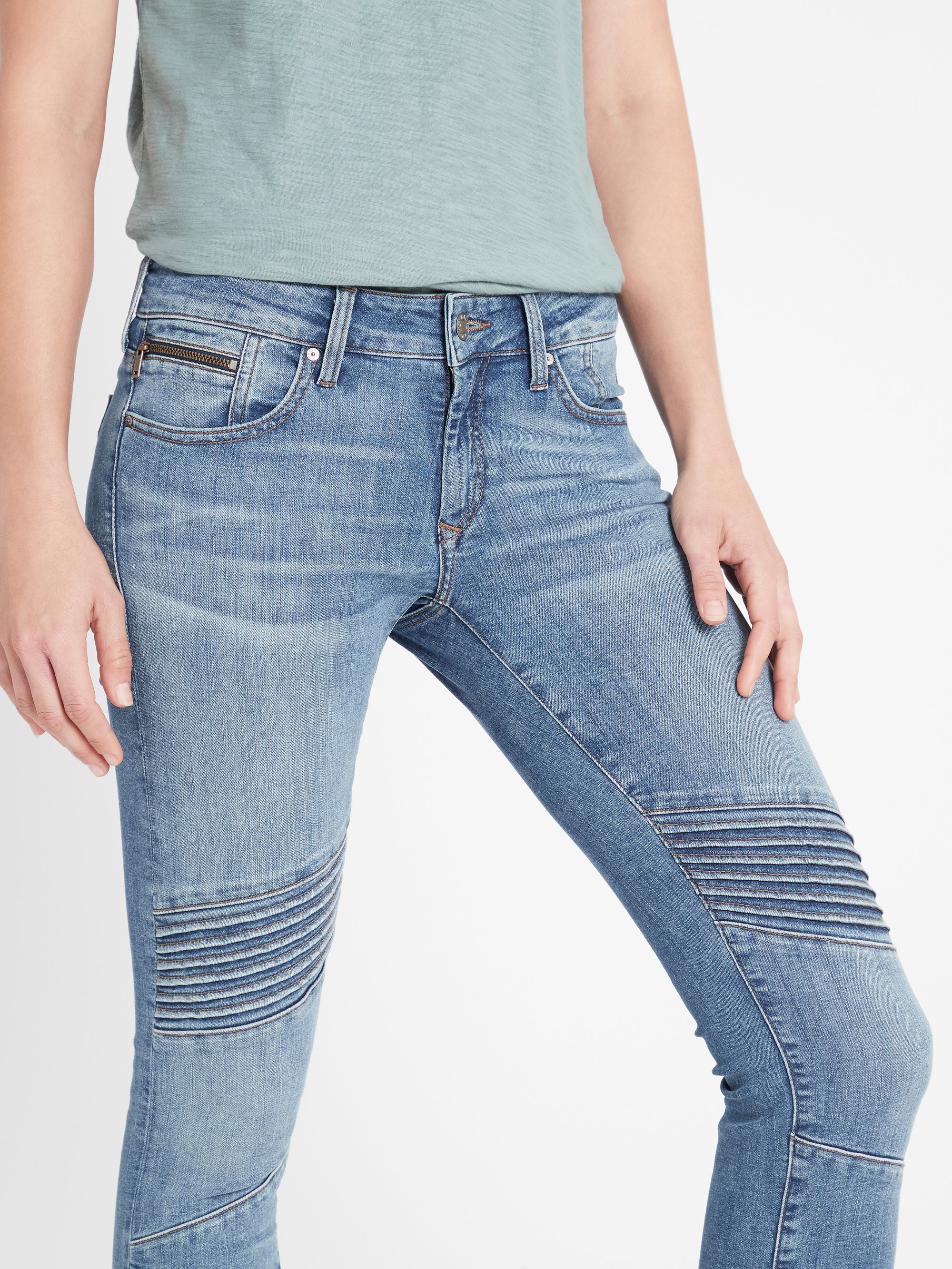 Aura Skinny Ankle Biker Jeans in Mid Brushed Glam