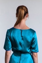 Load image into Gallery viewer, REVERSIBLE Eleanor Top - Blue Admiral/Teal