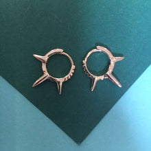 Load image into Gallery viewer, TRIXI Spiked Gold Hoops