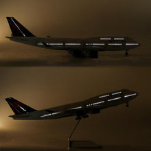 Load image into Gallery viewer, Delta Airlines Boeing B747 Resin Model - 1:150 scale
