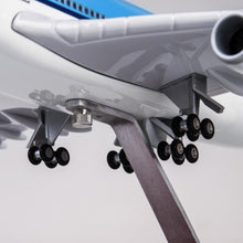 Load image into Gallery viewer, KLM Boeing B747 Resin Model - 1:157 scale