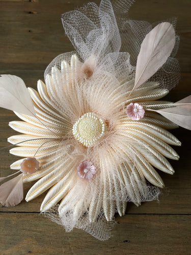 White Blossom - Sea flower brooch with feathers and flowers