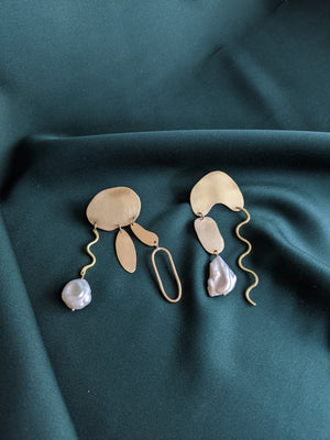 Abstract Shape Earrings Brass and Pearl 3