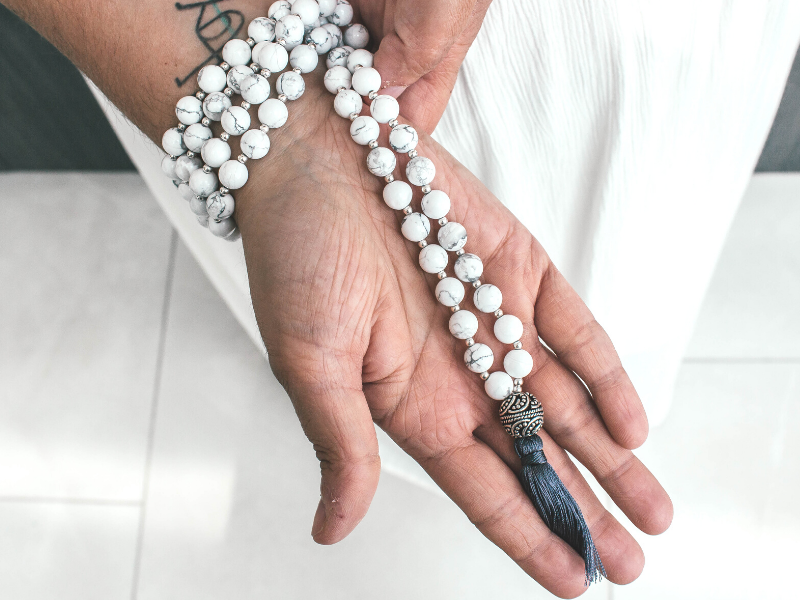 Balance Howlite mala meditation necklace