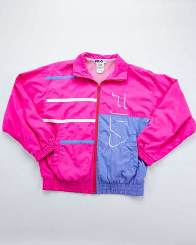 "Size 6 (fits like a S/M) Measurements: L-25"" C(ptp)- 20 1/2"" crazy detail and in great condition vintage fila windbreaker"
