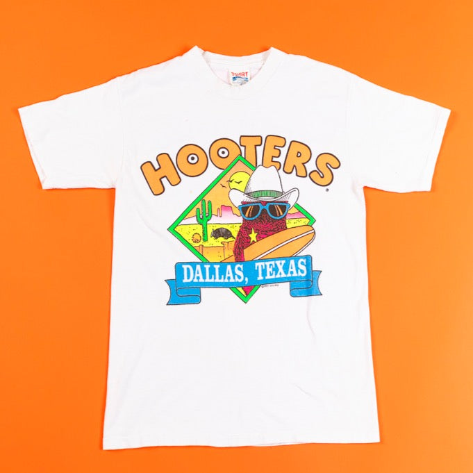 Vintage 1989 Hooters Dallas TX T-shirt from retro candy
