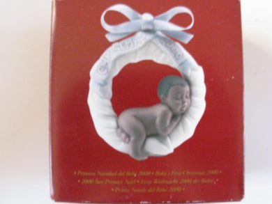 Lladro Baby'S First Christmas Dated 2000 Ornament