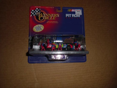 #24 Jeff Gordon Die Cast Car/ 1/64 Scale Size With Pit Crew