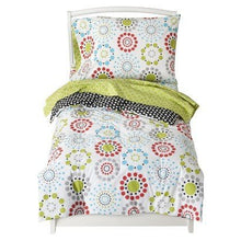 Load image into Gallery viewer, Sumersault Colorburst Toddler Bedding Set - Bed Accessories - Toddler Bedding - Bedroom Collection - This Is Everyday Style That Makes Sense For Your Life And Your Home.