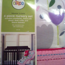 Load image into Gallery viewer, Circo Blooms And Dots 4-Piece Nursery Set