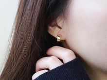 Load image into Gallery viewer, SHINE 18K Earring Hoops