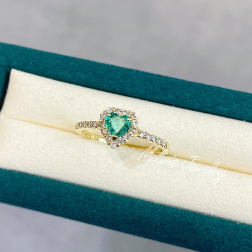 Heart of Love Emerald Ring