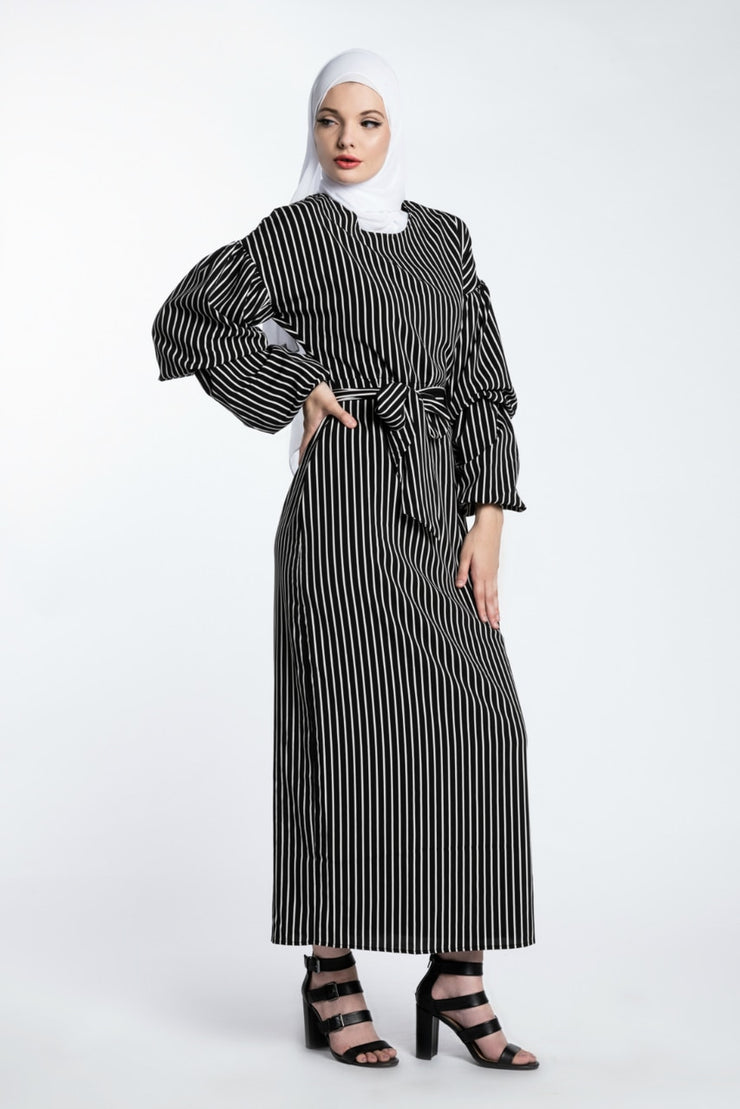 JET SETTER MAXI DRESS- BLACK - www.abayaaddict.com