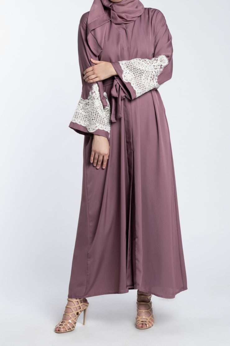 TAUPE OPEN ABAYA WITH LACE CUFFS - www.abayaaddict.com