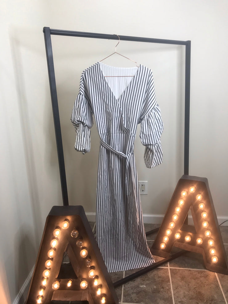 Striped pencil dress - www.abayaaddict.com