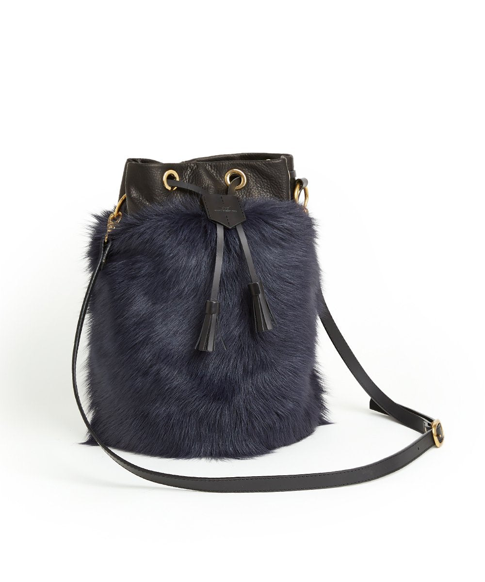 Drawstring Shearling Bag with 2 Way Shoulder Strap - L / Navy Shearling & Black - (ki:ts)