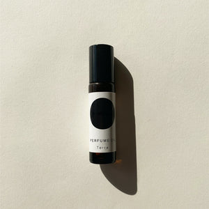 Perfume Oil / Terra | Grounding - a conscious edit
