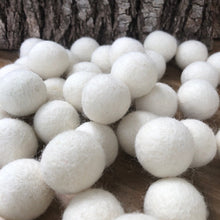Load image into Gallery viewer, White Felt Balls 1.5cm