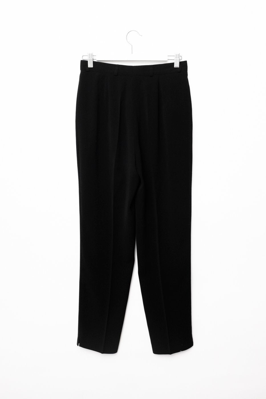 0478_BLACK MINIMAL CARROT PANTS
