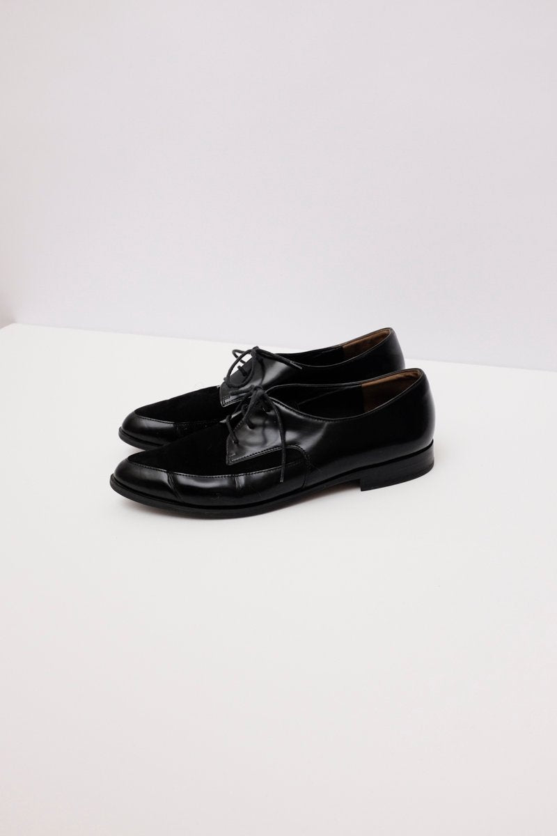 0147_POINTY BLACK PATENT LEATHER LACE UP SHOES 38 39