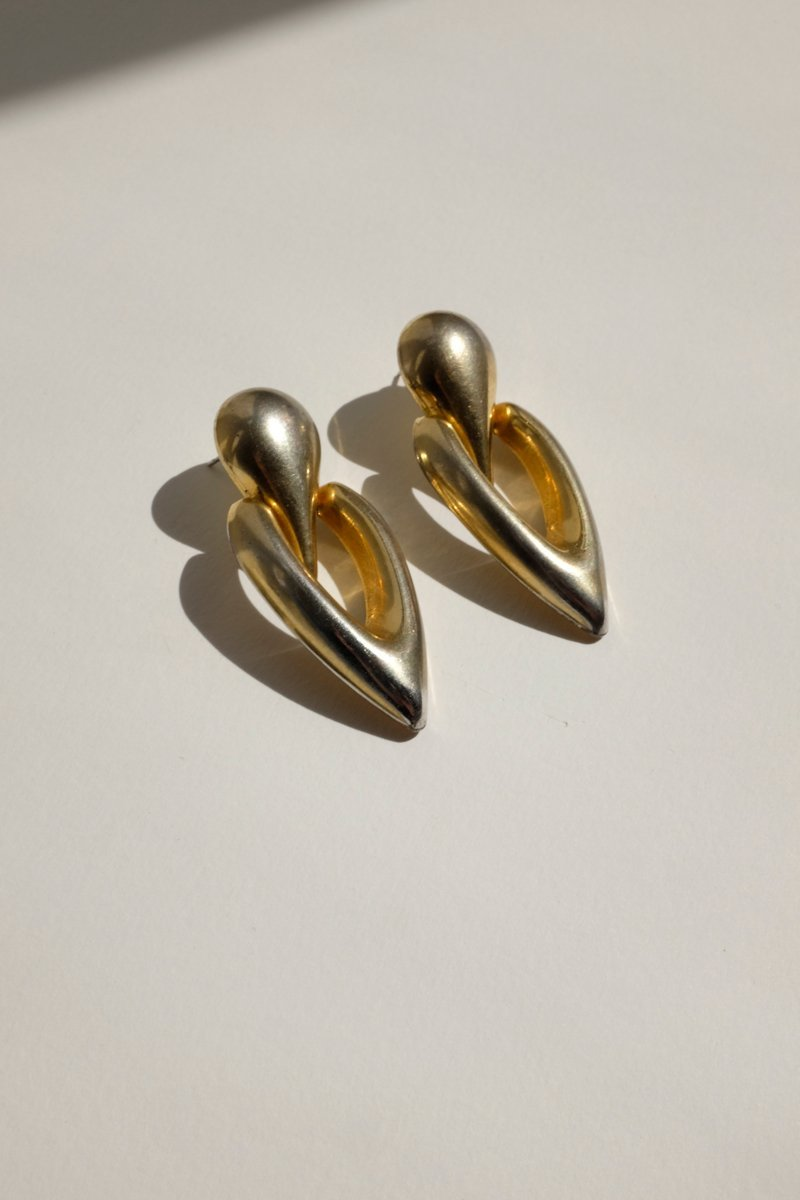 0227_BOLD GOLD VINTAGE EARRINGS