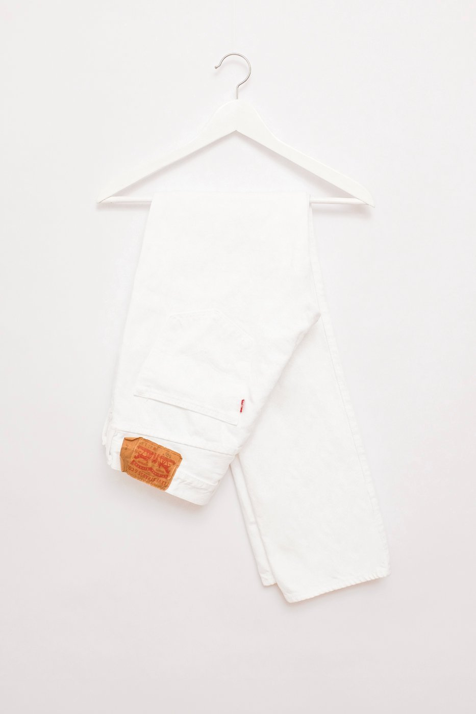 0458_WHITE LEVIS 501 CROP W30 MOM VINTAGE