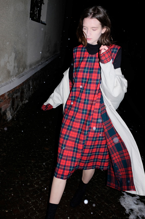 0535_VINTAGE CHECKED TRENCHCOAT