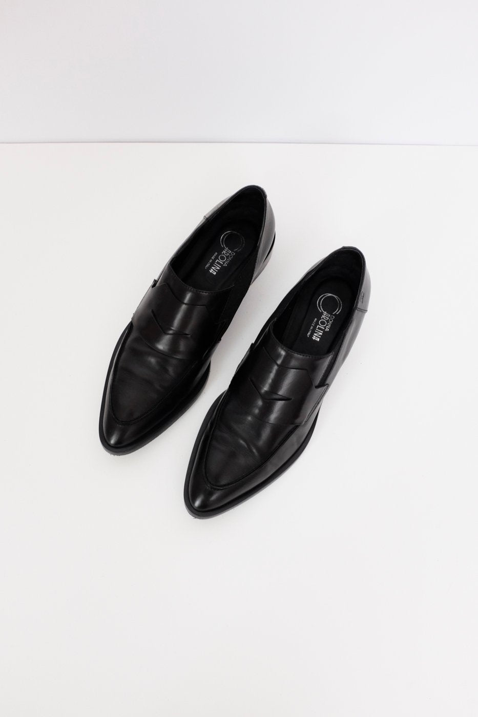 0365_ITALY BLACK POINTY LEATHER LOAFERS 41