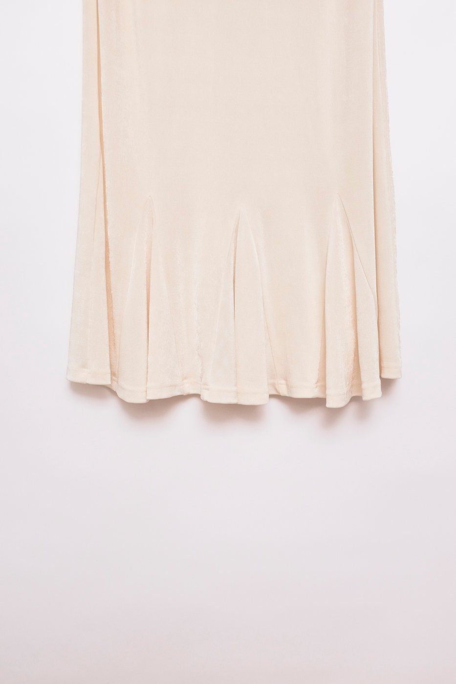 0434_PLEATED VANILLA MIDI SKIRT