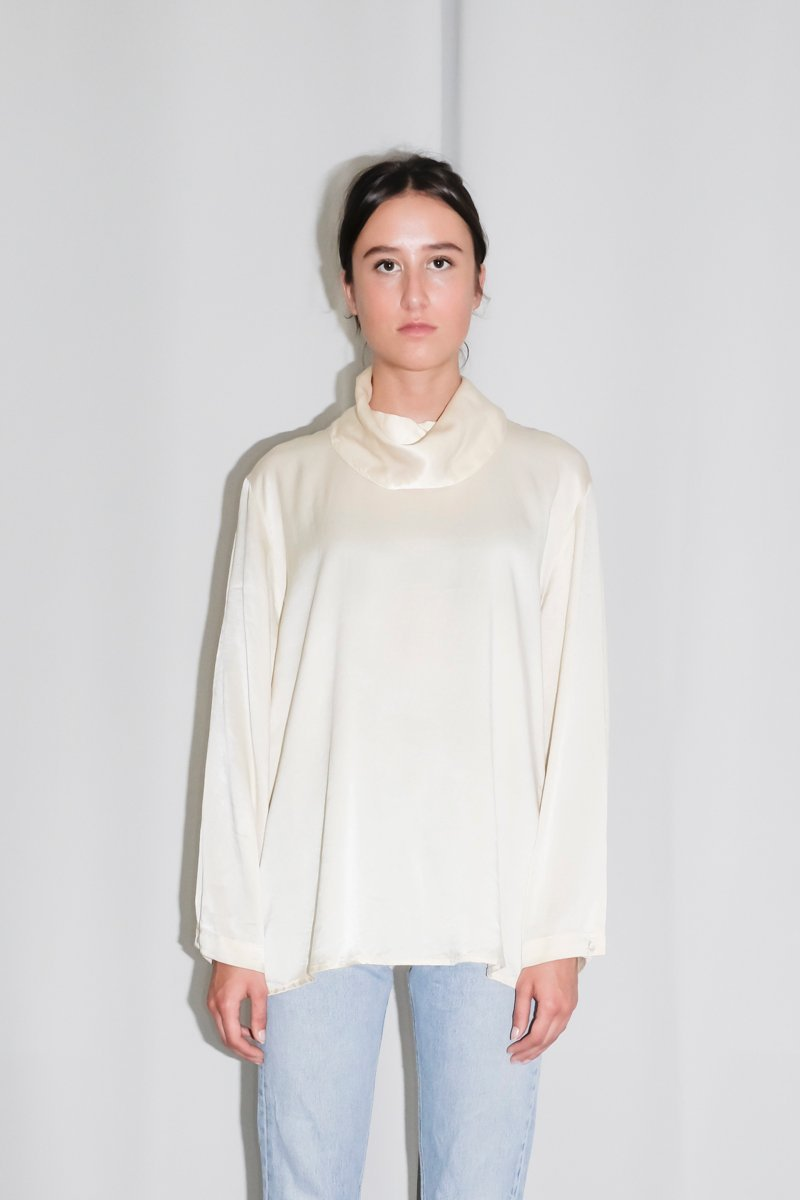 0240_SILK LAYERING CREAM BLOUSE